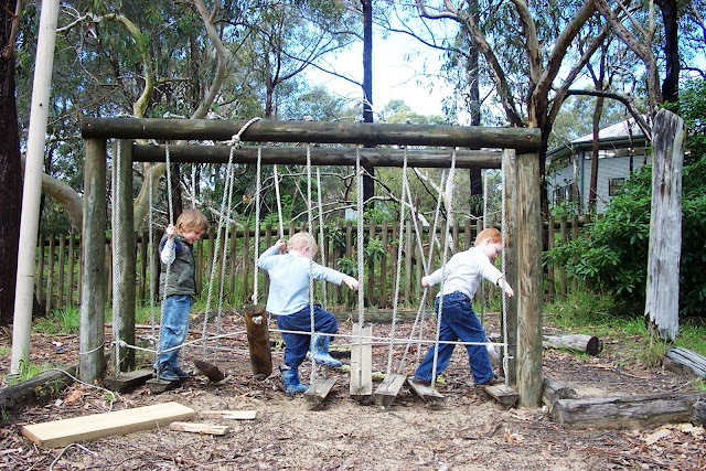 Backyard Nature Playground : natural play spaces, how to set up a natural play space, outdoor play