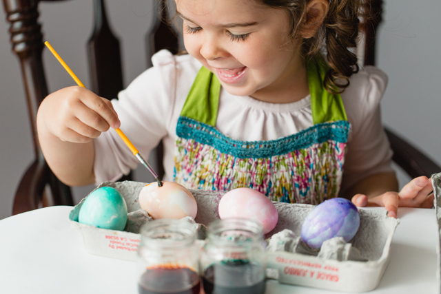 Watercolor Easter Eggs - less mess and more opportunity to be creative = great for kids!