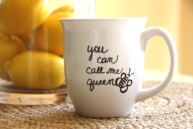 "DIY ""Queen Bee"" Mug - love this for Mother's Day!"