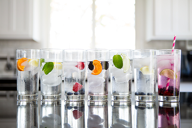 7 fruit infused sparkling water recipes - a new healthy drink for each day of the week!