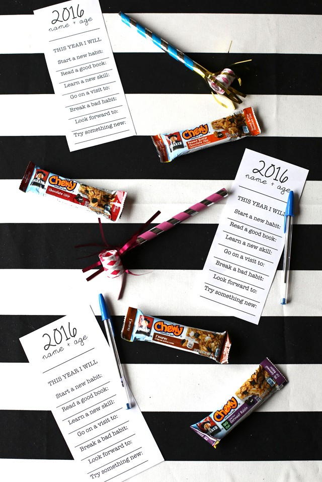 Free New Year's Resolutions Printable- Great activity for families to do together each year! #QuakerUp #spon